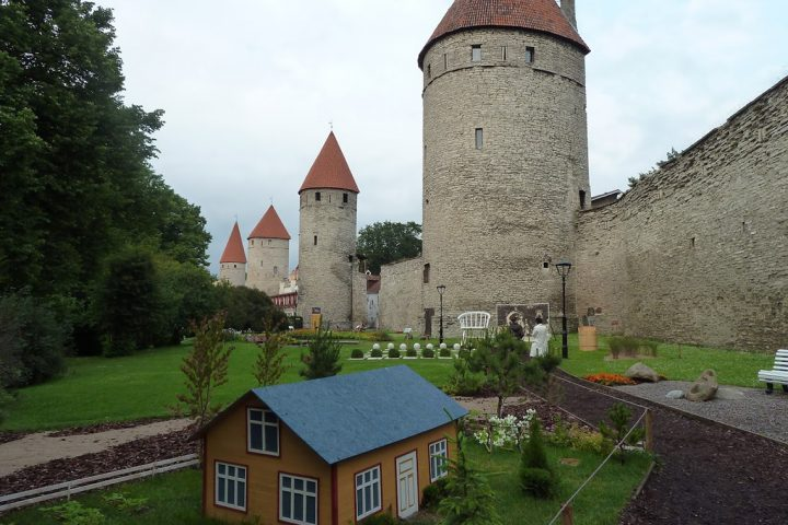 Tallinn Baltic self drive 13